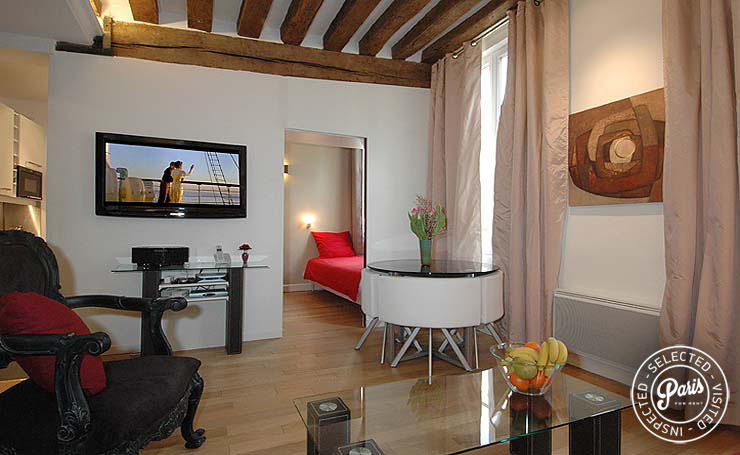 Flat screen TV Bourg Suite, apartment for rent in Paris, Marais