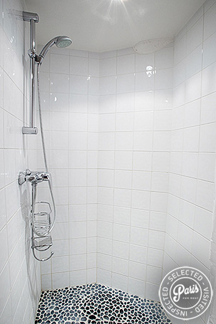 Walking shower at Marais Elegance, apartment for rent in Paris, Marais