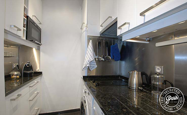 Kitchen with up-to-date appliances at Bourg Suite, Paris holiday rental, Marais