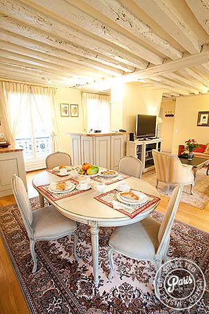 Dining area at Marais Elegance, vacation rental in Paris, Marais