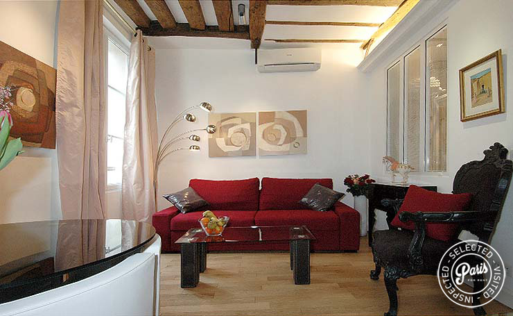 Living room at Bourg Suite, vacation rental in Paris, Marais