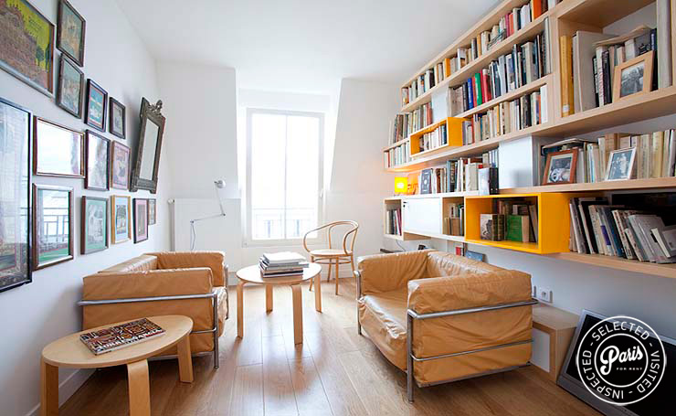 Living room at Marais Tournelles, apartment fo rent in Paris, Marais