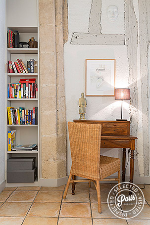 Desk corner at Bourg, apartment for rent in Paris,  Marais