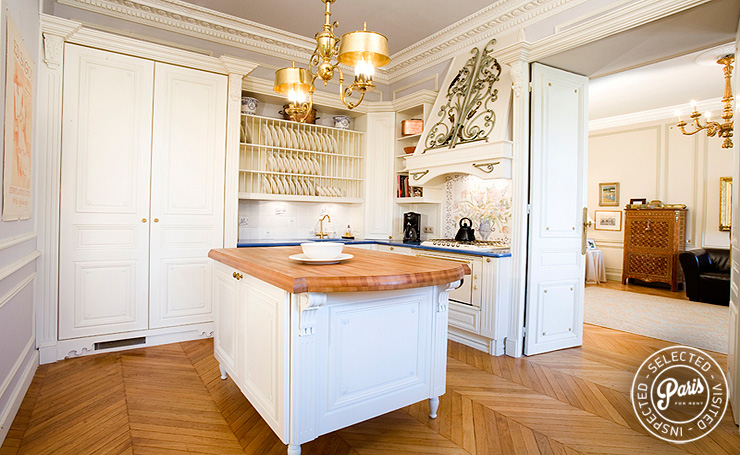 Large kitchen at Trocadero Palace, vacation rental in Paris,  Champs Elysées