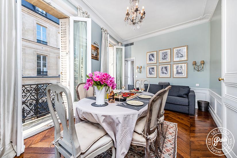 Paris Apartment Rentals - Champs Elysees Vista | A ...