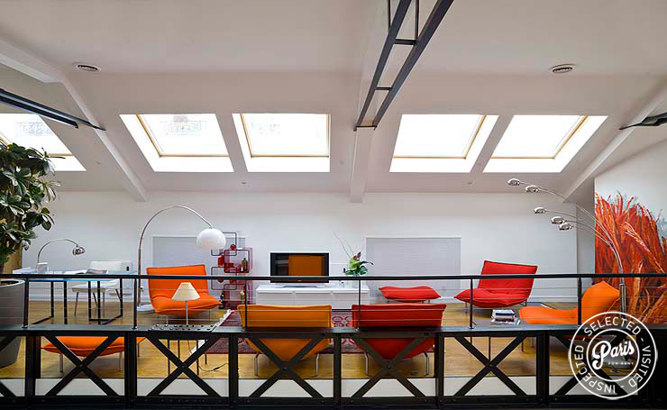 Lounge with skylights at Movie Loft, Paris apartment rental, Opera-Vendome