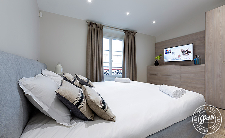 Master bedroom at Marais Sicile, apartment for rent in Paris, Marais