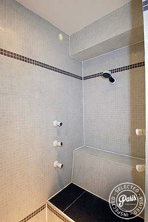 Rain shower at Bourg Suite, apartment for rent in Paris, Marais