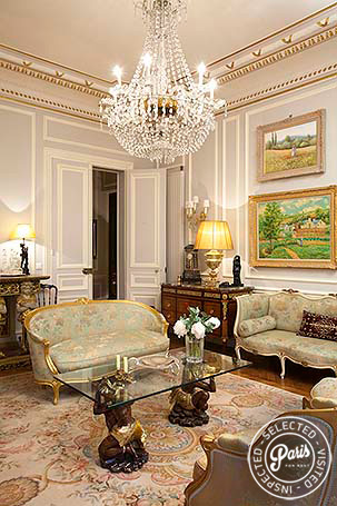 Paris Apartment Rentals George V Suite Luxury 2br 2ba