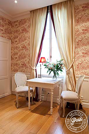 Sitting area in attached studio at Pantheon, Paris flat rental, Latin Quarter