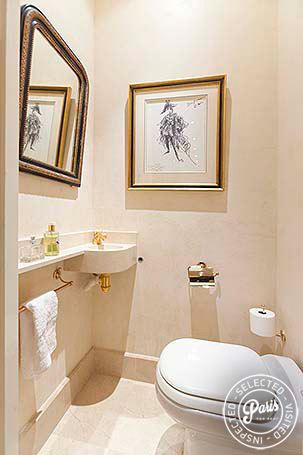 Separate toilet at Louvre Royal, apartment for rent in Paris, Opera-Vendome