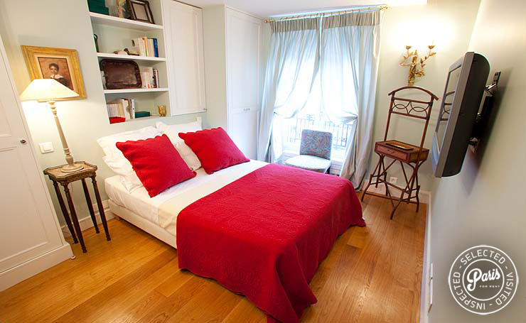 Master bedroom at Marais Elegance, apartment for rent in Paris, marais