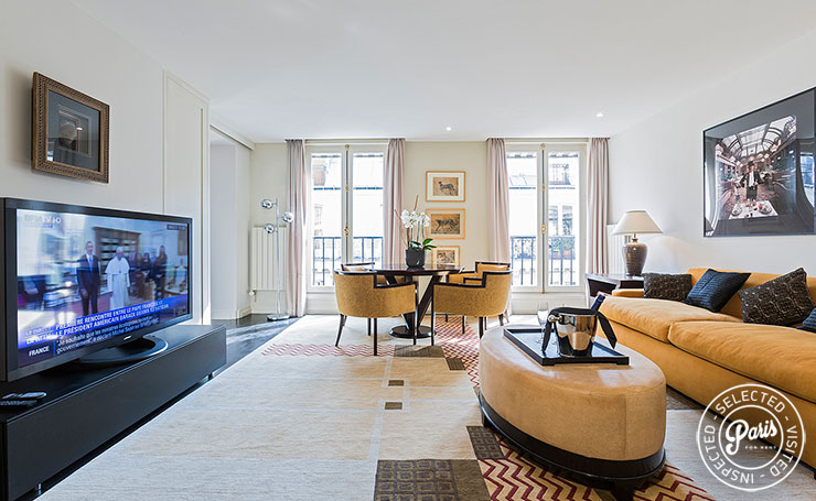 Television room at Anjou Palace,apartment for rent in Paris, Madeleine