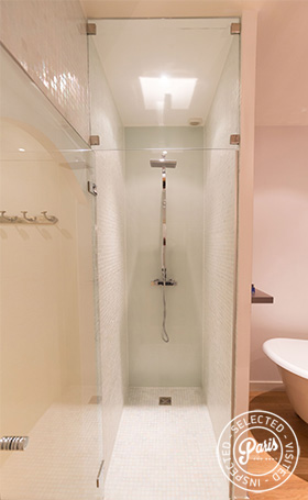 Italian shower at Latin Quarter Loft, Paris apartment rental, Latin Quarter