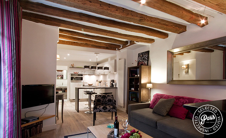 Dining and living areas at Quai Notre Dame, Paris flat rental, Latin Quarter