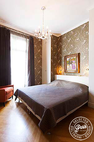 Third bedroom with king bed at Notre Dame Royal, Paris flat rental, Latin Quarter