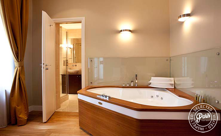 Jacuzzi at Pantheon, apartment for rent in Paris, Latin Quarter