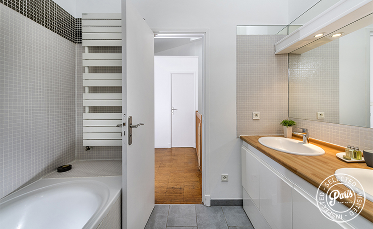 bathroom in 3 bedroom duplex home in Paris apartment in the heart of Paris Marais district