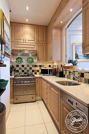 Fully equipped kitchen at Notre Dame, vacation rental in Paris, Latin Quarter