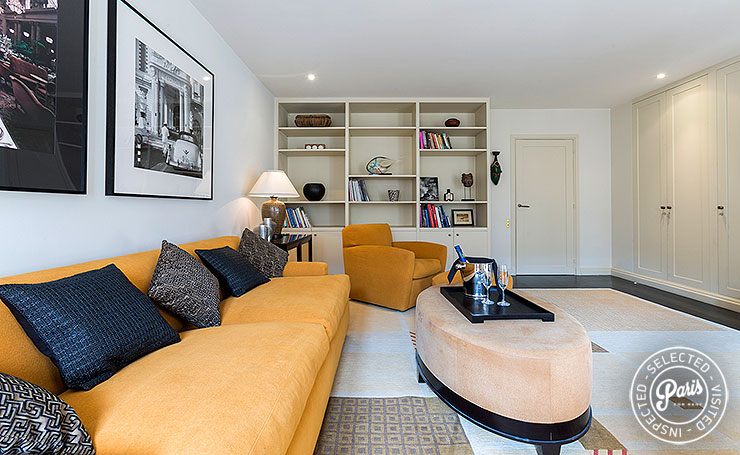 TV and living room at Anjou Palace, Paris flat for rent, Madeleine