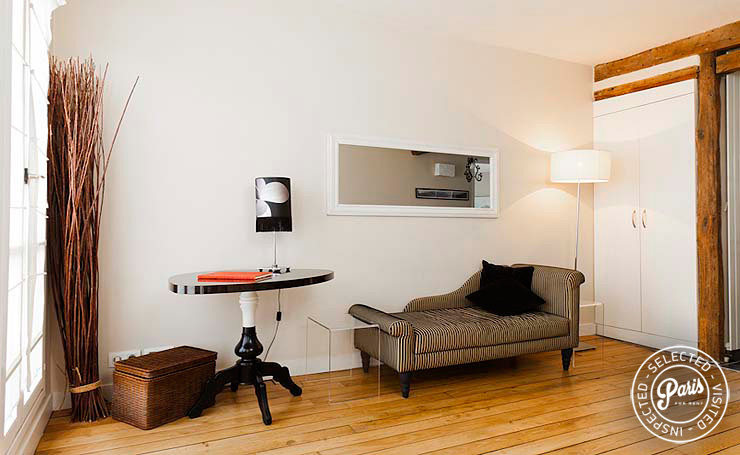 stylish settee at Mouffetard 2, apartment for rent in Paris, Latin Quarter