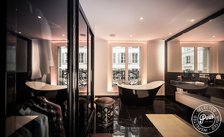 Master bathroom at St Germain Chic, apartment for rent in Paris, Saint Germain