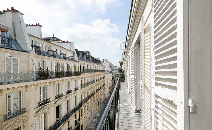 Balcony at Anjou Palace, vacation rental in Paris, Madeleine