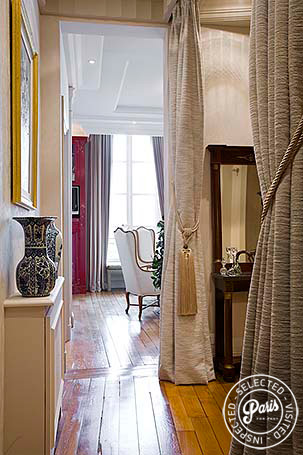 Hall with hardwood floor at Notre Dame, vacation rental in Paris, Latin Quarter