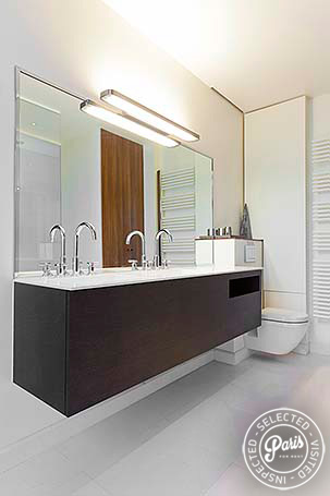 Double sink in bathroom at Notre Dame Royal, apartment for rent in Paris, Latin Quarter